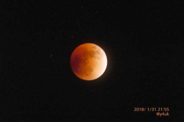 """21:55 """"皆既月食""""入り4分後~Super Blue Blood Moon~2秒手持ち750mm"""