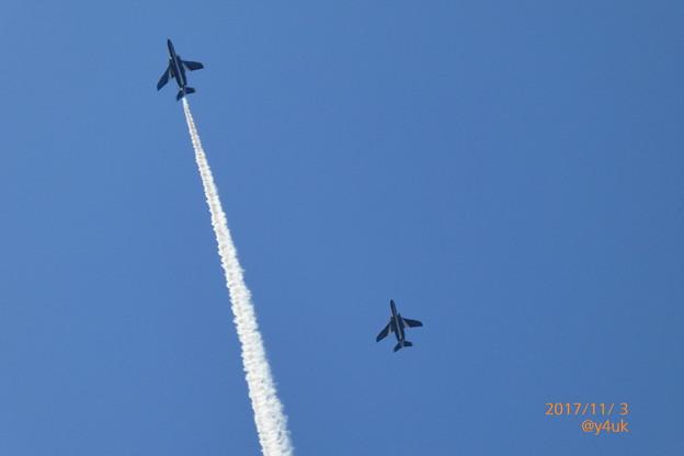 写真: Blue Skyブルーインパルスの日~13:57終演直前~シャッター優先158mm
