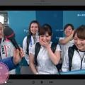 写真: 23:04インタビュー吉田夕梨花と全員スマイル!そだねーヽ(;▽;)ノ