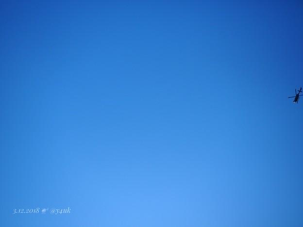 Olympus Blue Sky edge Helicopter [OM-D 12-40F2.8PRO 40mm(80mm)]青空にヘリコプターがドラマコードブルー的な
