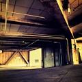 Photos: 18旅先その3.「7」光と陰。無機質な建築物。AKデザイン的な斜め鋭角、質感サビ♪闇取引ぽい場所から希望の光へ向かう途中~shine light. dark side life. hope wish.