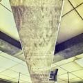 Photos: 15:14旅先その1.Concrete ceiling is symmetrical art~天井コンクリートが感性揺さぶったのでシンメトリーアートで影ある場所の寒い旅の途中(iPhone7Plus)
