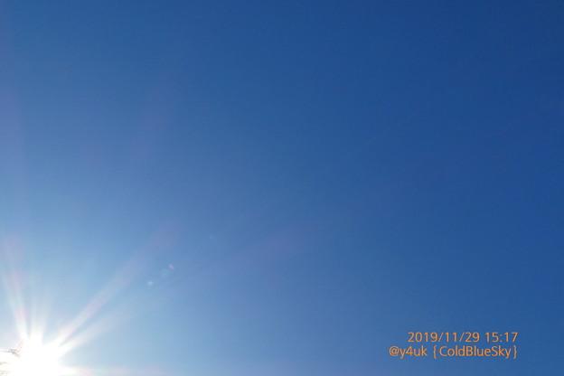 29_15:17Cold Blue Sky鉄塔から太陽ビーム温もり~今季1番寒い…朝0℃昼8℃夜今3℃超寒い腹痛「関東北部で雪が降り出す今季初の積雪がいきなり10cm超」ストーブ暖房♪絞り優先TZ85