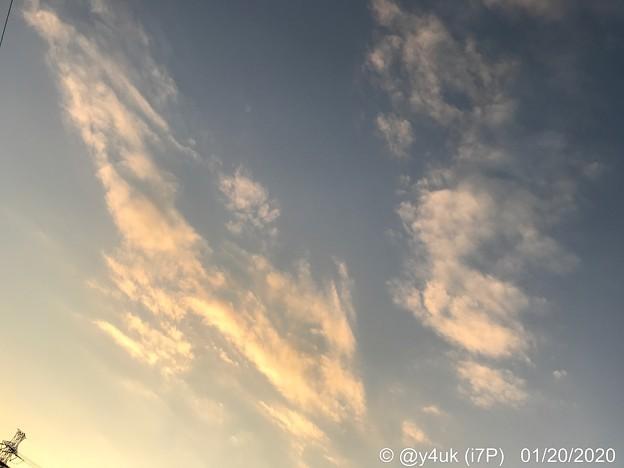 16:33_1.20Beautiful Sunset Sky.Mac中の夕焼け夕空夕日夕空、日が伸びた日が暮れる。暖冬の夕暮れ。自動作業中誰か一休みしたい(WB暖色系へ降りながらオレンジ撮影:i7P)