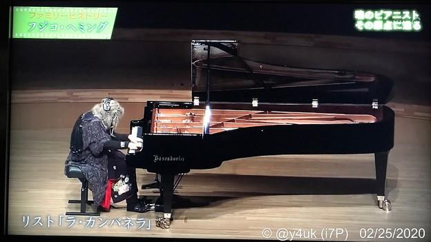 """NHKファミリー・ヒストリー""""フジコ・ヘミング""""「魂のピアニストその原点に迫る」リスト:ラ・カンパネラはフジコのための楽曲としか思えない感涙必至の演奏です。数年前近く来た行っとけばよかった。クラシック"""