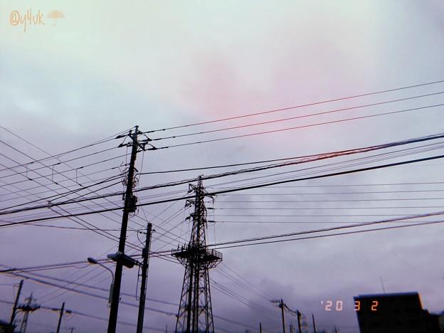 3.2旅先その4.Rainy days and Mondays with SteelTower sky Arrival~雨到着、鉄塔電線が出迎え雨空と他人から光(フィルム風:ShotoniPhone)