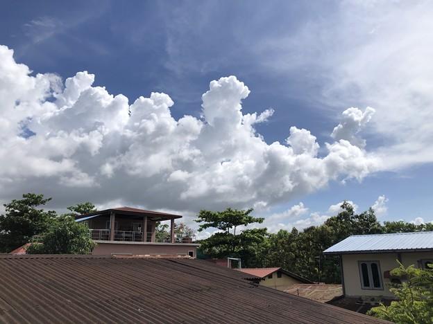 ヤンゴンの空