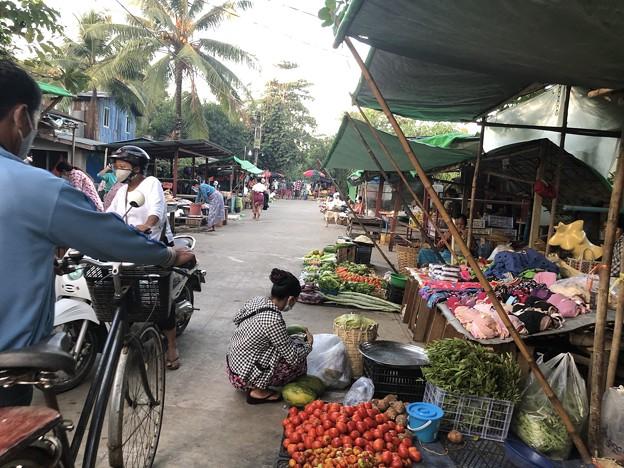 ヤンゴンのローカル市場 (7)