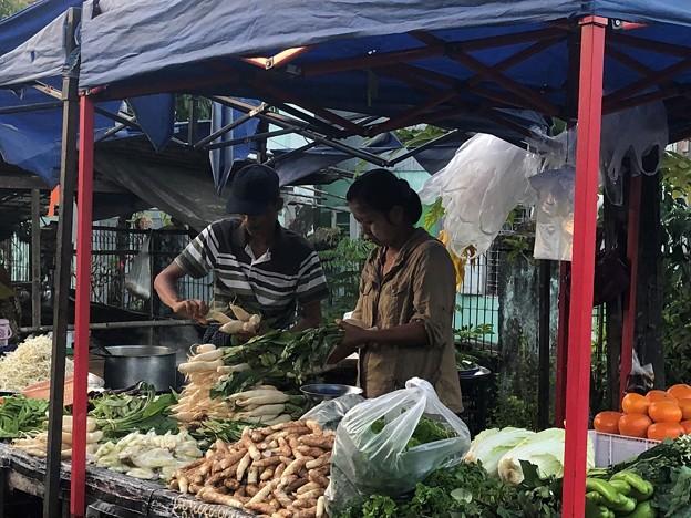 ヤンゴンのローカル市場 (3)