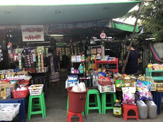 ヤンゴンのローカル市場 (6)