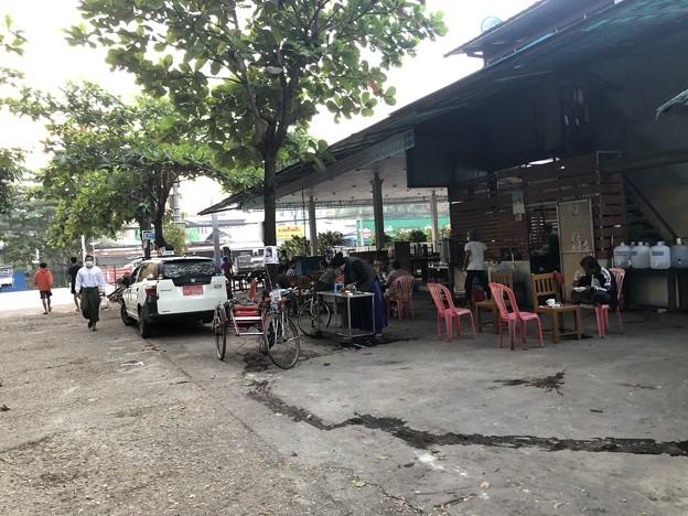 ヤンゴンの片隅で 12月11日 (8)