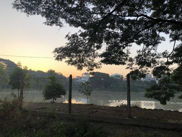 ヤンゴンの片隅の夜明け前 12月12日  (13)