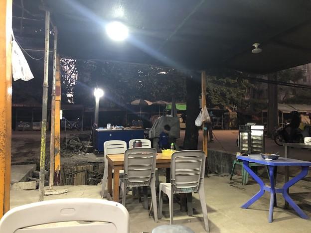 ヤンゴンの片隅の夜明け前 12月12日  (7)