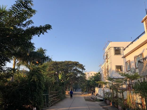 12月13日のヤンゴンの片隅で (13)
