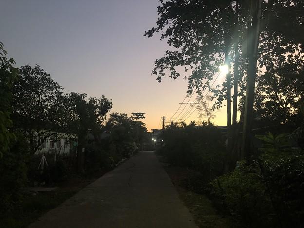 12月13日のヤンゴンの片隅で (1)