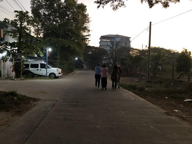 1月5日のヤンゴンの朝 (5)