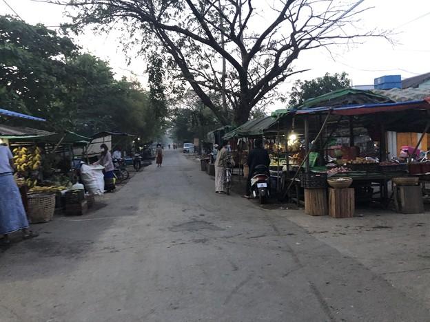 1月15日のヤンゴンの朝 (13)