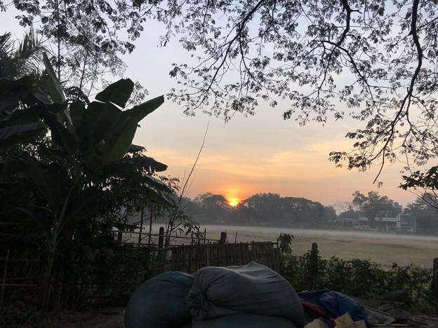 1月15日のヤンゴンの朝 (20)