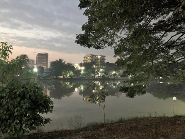 1月20日のヤンゴンの朝 (3)