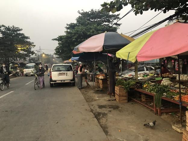 1月22日のヤンゴンの朝 (9)