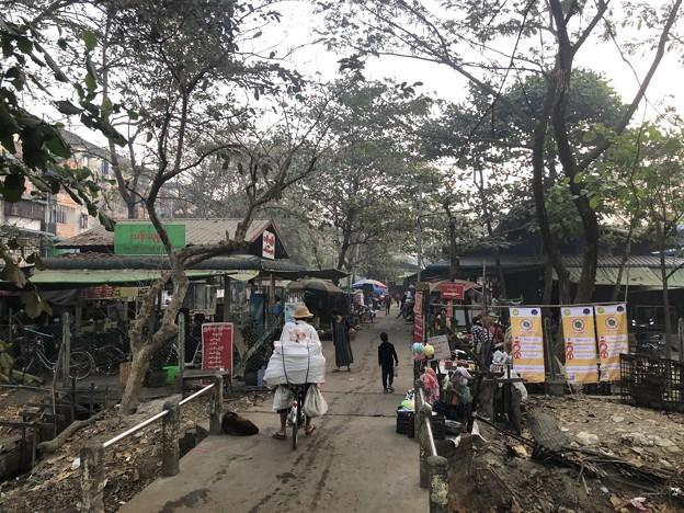 1月223日のヤンゴンの朝 (7)