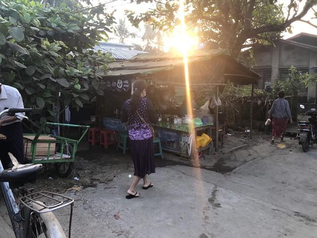 1月223日のヤンゴンの朝 (19)