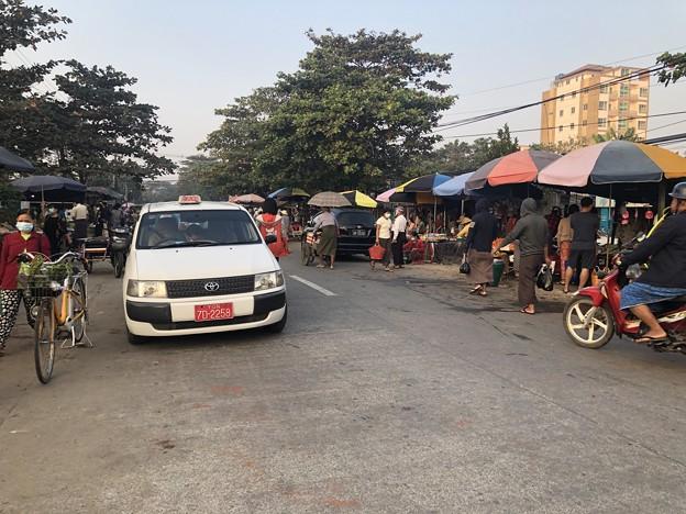 1月223日のヤンゴンの朝 (13)