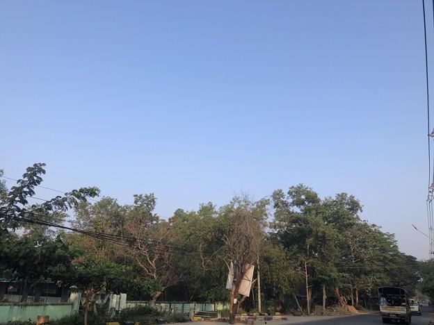 1月223日のヤンゴンの朝 (27)