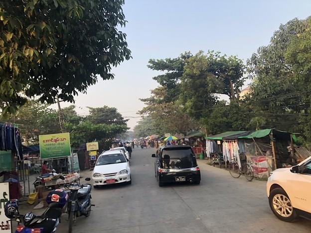 1月223日のヤンゴンの朝 (24)
