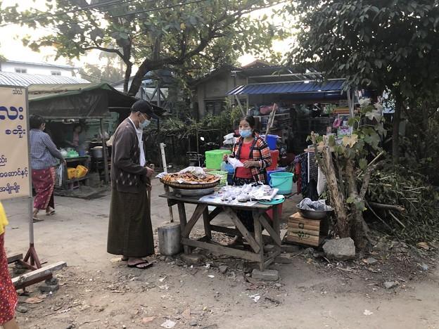 1月223日のヤンゴンの朝 (18)