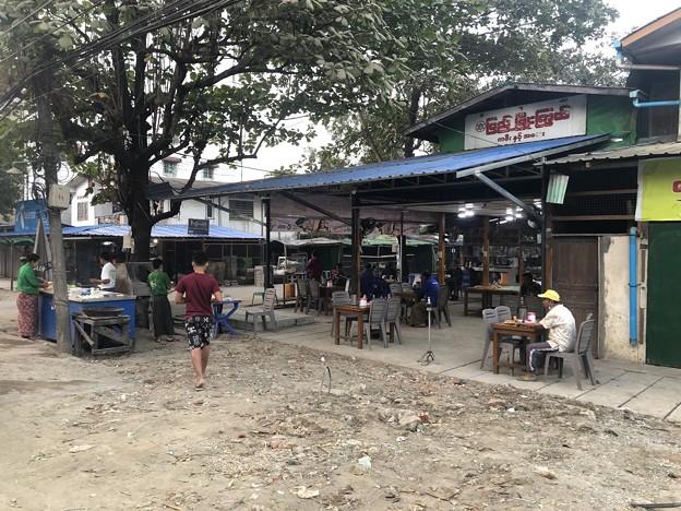 1月223日のヤンゴンの朝 (4)