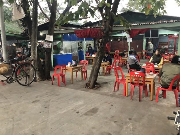 1月25日のヤンゴンの朝 チョイ寒いぞ (12)
