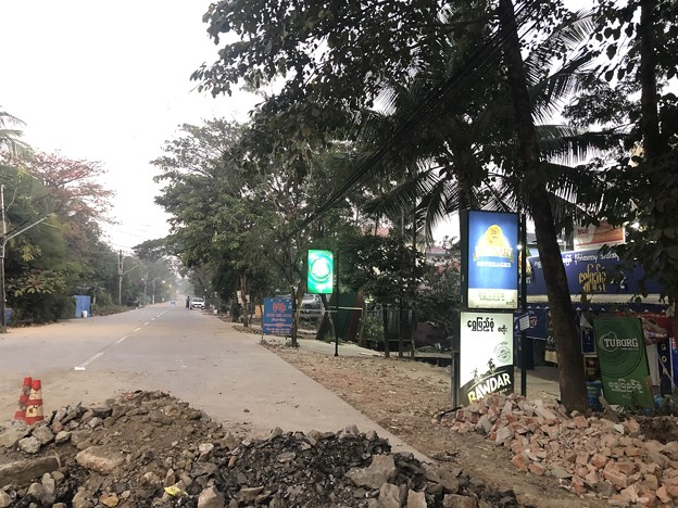 1月25日のヤンゴンの朝 チョイ寒いぞ (9)