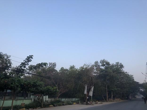 いつもより暗く感じる1月26日のヤンゴンの朝 (19)