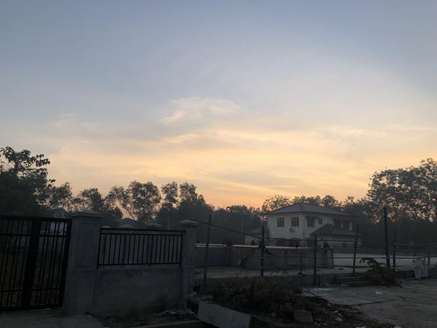 寝坊した朝のヤンゴン1月27日 (1)