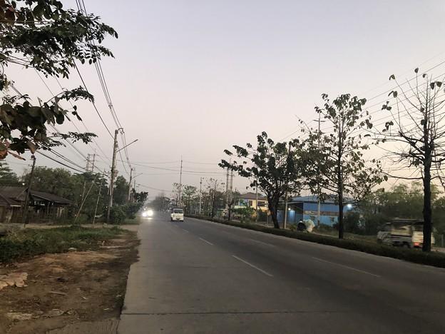 クーデター二日目のヤンゴンの片隅の朝 (6)