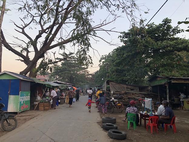 2月3日のヤンゴンの朝 (7)