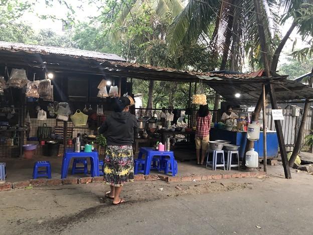 2月4日のヤンゴンの朝 (17)