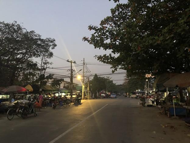 2月4日のヤンゴンの朝 (11)