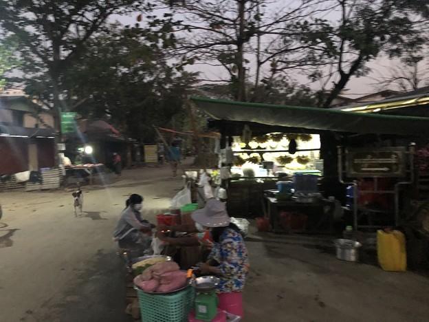 2月4日のヤンゴンの朝 (7)