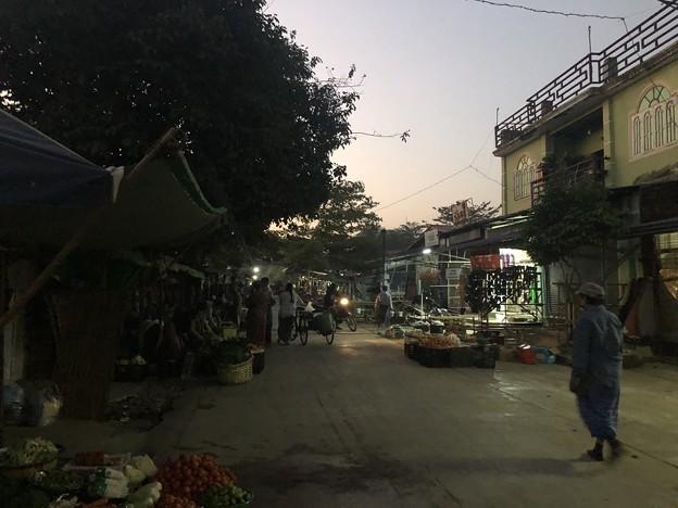 2月4日のヤンゴンの朝 (8)