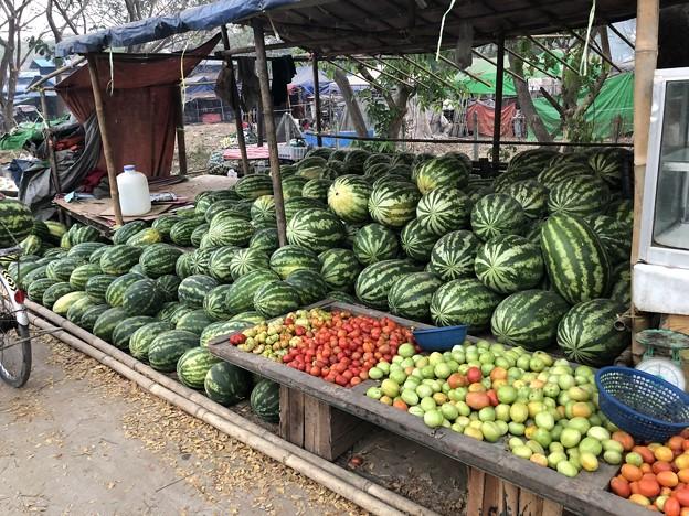 土曜日の朝のヤンゴン2月6日 (9)