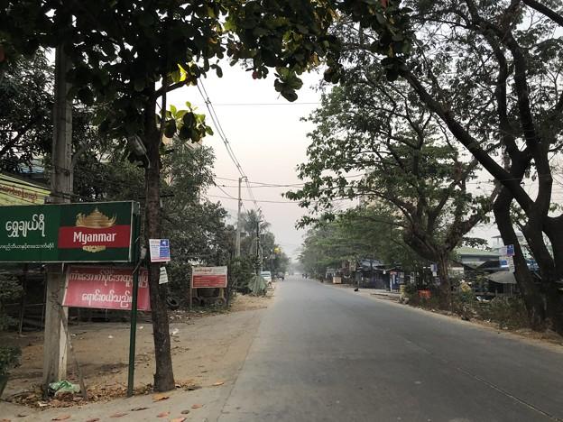土曜日の朝のヤンゴン2月6日 (8)