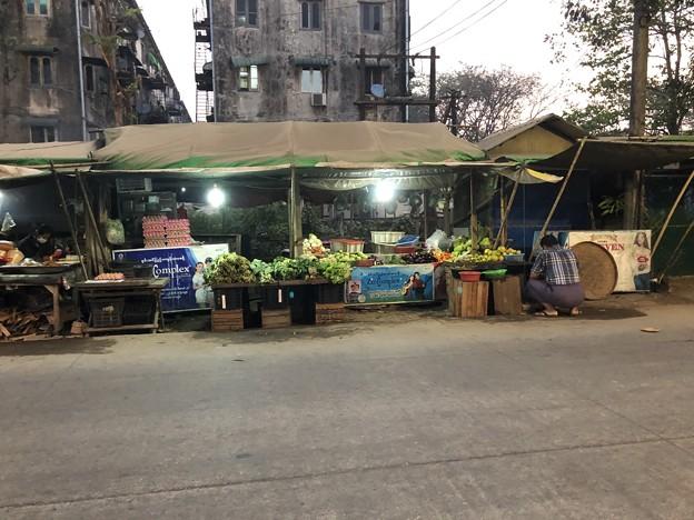 土曜日の朝のヤンゴン2月6日 (23)