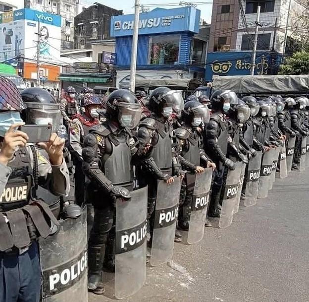 ヤンゴン デモ  2月6日(2)