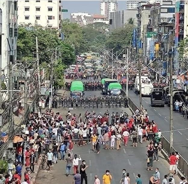 ヤンゴン デモ  2月6日(5)