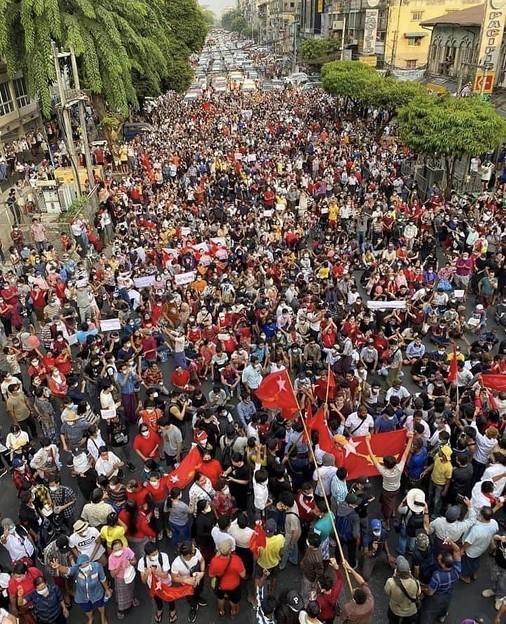 ヤンゴン デモ  2月6日(6)