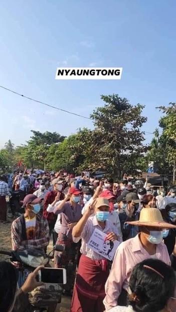 ミャンマーのデモ (37)