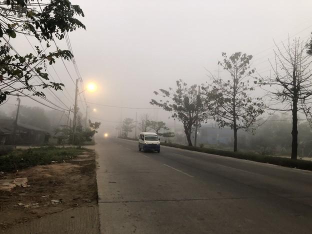 霧深い2月12日のヤンゴンの朝 (9)