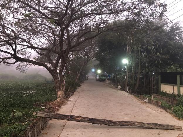 霧深い2月12日のヤンゴンの朝 (7)